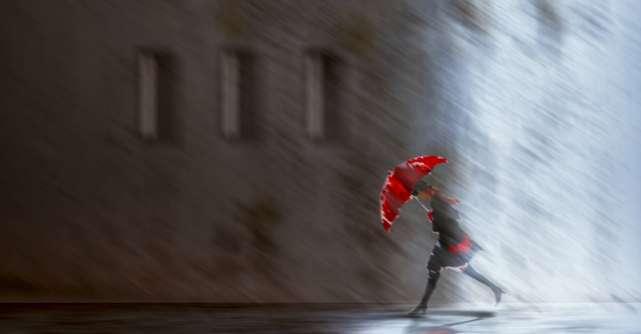 4 Adevăruri uitate care te pot ajuta să faci față vremurilor grele