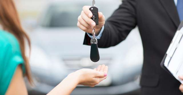 Serviciile de închirieri auto oferă posibilitatea de a alege o masina din categoria premium car