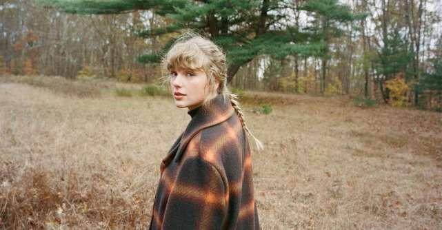 Taylor Swift scrie istoria muzicii prin intermediul noului album, evermore