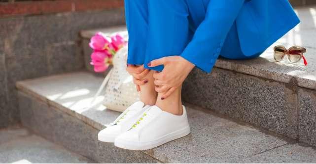 Ce pantofi sport se potrivesc in mai multe tinute