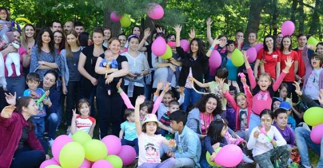 PPT Preturi Pentru Tine, impreuna cu voluntarii Asociatiei Touched Romania, au adus multe zambete pe chipurile a 65 de copii