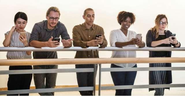 """Cum să îți aduci prietenii din online în offline. Scurt ghid de """"împrietenire"""" pentru viața reală"""