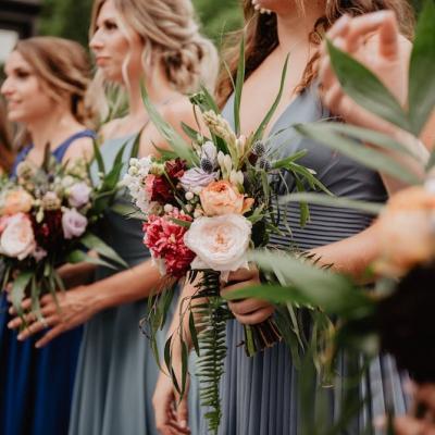 Buchete de flori potrivite pentru domnișoarele de onoare