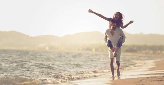 Faptele partenerului care iti arata cat de mult te iubeste, desi nu o spune
