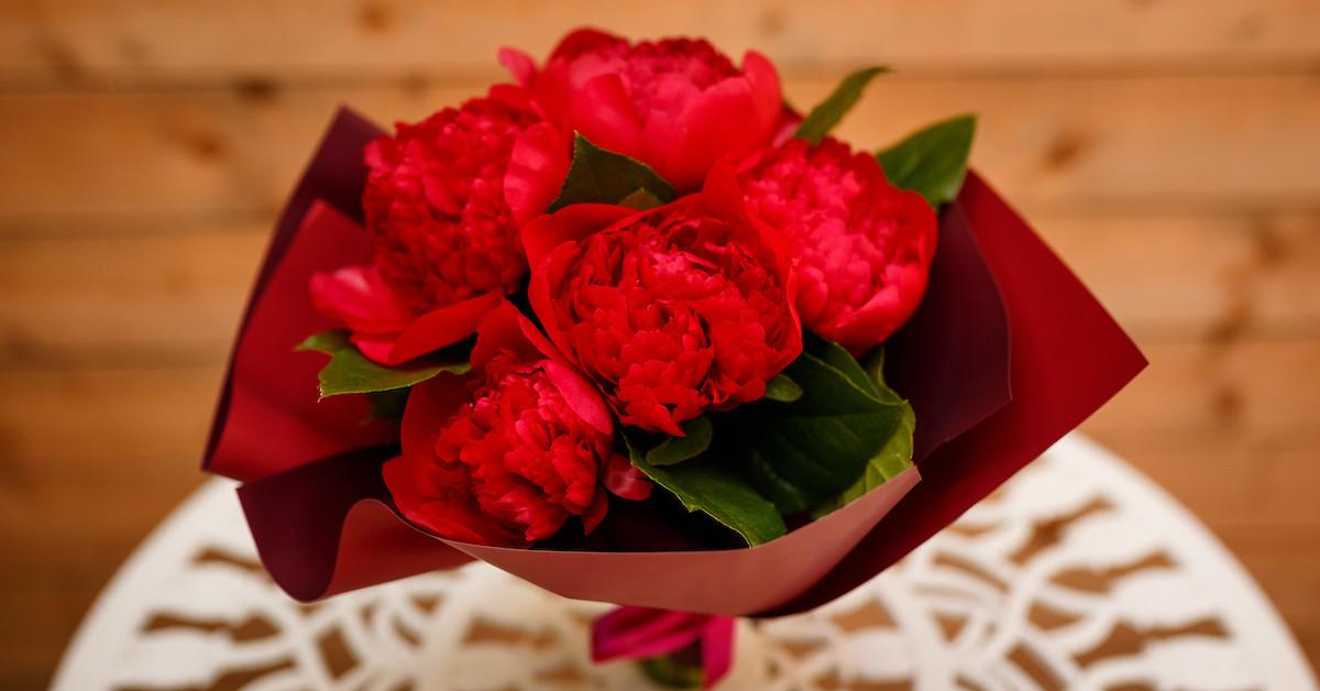 Poza 5 din 6 baiatul cu flori