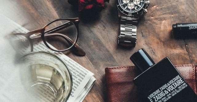 Cele 3 lucruri esențiale pe care trebuie să le cunoașteți înainte de a cumpăra un parfum pentru bărbați