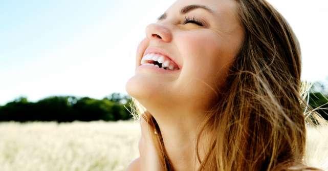 Cum sa te simti bine cu tine: 8 sfaturi de la celebritati