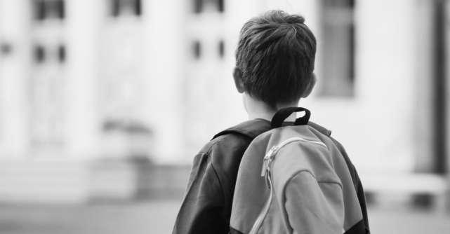 Un băiețel cu autism a picat examenul la școală, iar învățătoarea lui l-a trimis acasă cu cea mai frumoasă scrisoare