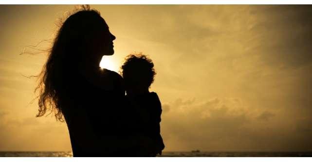 Dupa 11 ani de casnicie, sotul a plecat de acasa. Ce au facut femeia si cei doi copii?