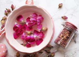 Ofera-i casei tale un miros aparte: 3 produse care iti vor parfuma locuinta