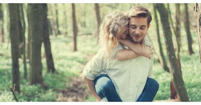 O tanara si-a intrebat iubitul daca o iubeste. Raspunsul lui? EMOTIONANT