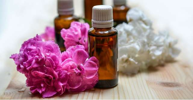 Tratamente naturiste: Masti cu uleiuri pentru par si ten