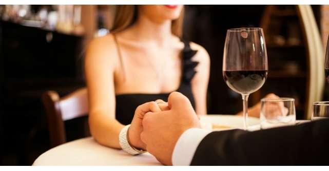 Un barbat si sotia lui luau cina la un restaurant sofisticat. Insa uite ce a urmat!