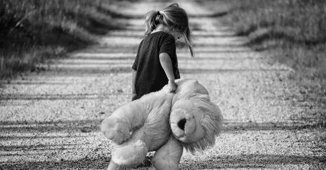 Educație cu iubire: Ce fraze să NU folosești când vorbești cu copilul tău