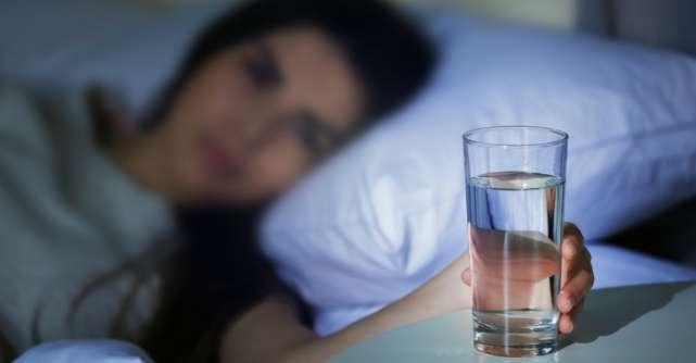 Spune-mi cât dormi ca să-ți spun câtă apă trebuie să bei