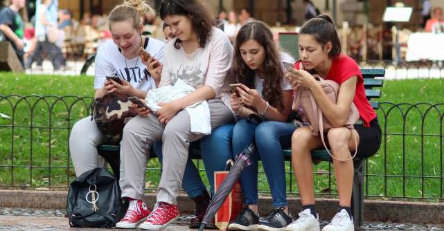 Ce înseamnă demența digitală și cum se transformă creierul tinerilor