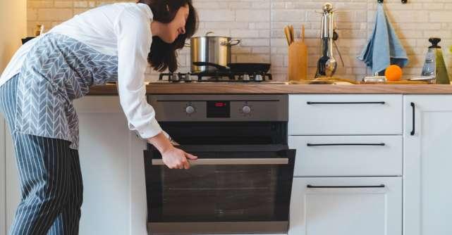 Cum să îți ușurezi munca în bucătărie: 4 sfaturi practice