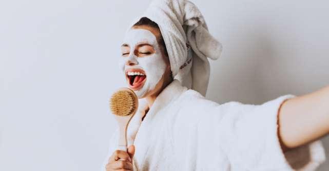 Aparate pentru îngrijirea tenului acasă: rezultate ca la salon