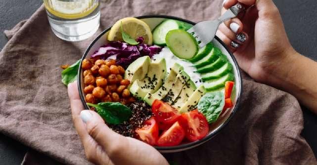 Cum sa ai o relatie buna cu mancarea in 2021: Nu te lasa influentata de trendul toxic al dietelor!