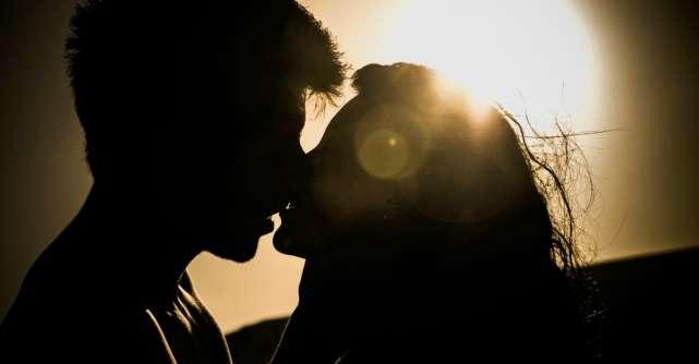 10 carti care te transforma in iubita perfecta