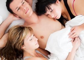 Povesti despre sex: Sexul se face si in trei. Dragostea nu.