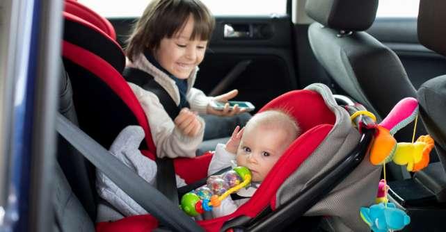 Cum alegi scoica sau scaunul auto pentru bebeluș și copilul mai mare: ghid pentru părinți