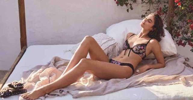 Valentine's Day: Lenjerie fabuloasă Victoria's Secret, pentru cea mai romantică sărbătoare indoor