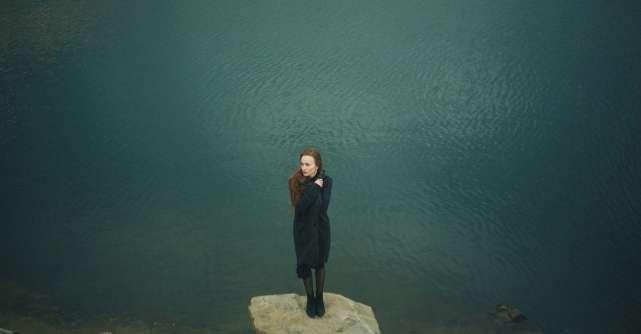 De ce sunt atat de emotiva? 11 motive & cum sa faci pace cu propriile emotii
