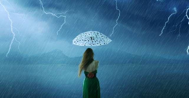 Nu permite furtunii din sufletul altora să distrugă curcubeul din sufletul tău