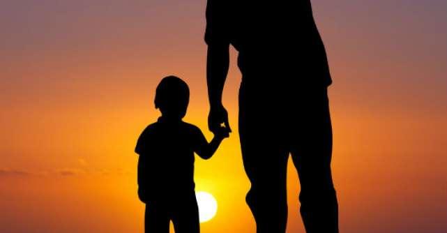 Povestea care dovedeste ca banii alunga fericirea. Prin ce trece un parinte pentru iubirea fiului sau?