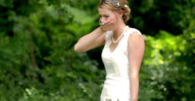 Video: A avut parte de surpriza vietii ei in ziua nuntii. Nici macar eu nu mi-am putut stapani lacrimile