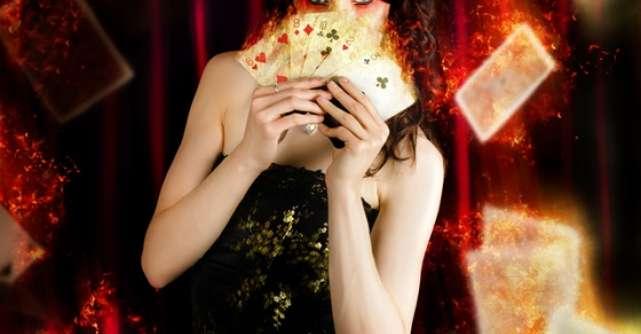Secretele magicienilor:  5 trucuri cu carti DEZVALUTE