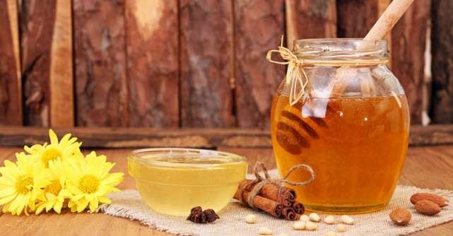 Amestecul-magic: miere, scortisoara si nuci