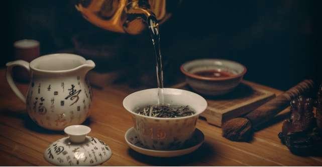 Ce cadouri sa iei unui iubitor de ceai