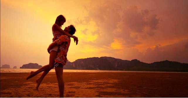 Horoscopul dragostei pentru luna AUGUST: ne indragostim nebuneste fara sa putem controla sentimentele