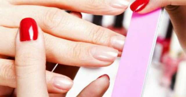 10 Tratamente naturiste pentru unghii tari si sanatoase