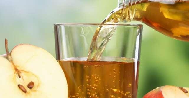 Sucurile de mere si portocale sunt preferatele romanilor