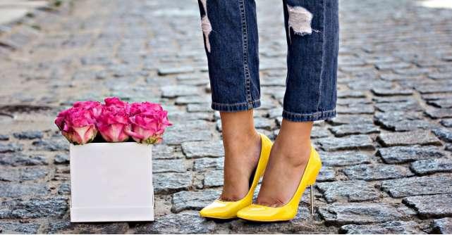 Sus pe tocuri, doamnelor! Avem pantofi stilleto pentru toate gusturile!
