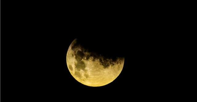 27 iulie si cea mai lunga eclipsa de luna din secolul 21