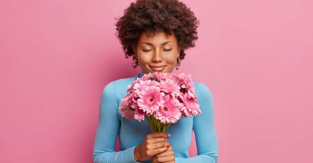 Primăvara începe cu o floare: 4 aranjamente florale pe care le poți oferi persoanelor dragi