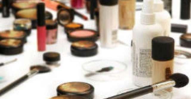 6 sfaturi ca sa iti protejezi cosmeticele de microbi