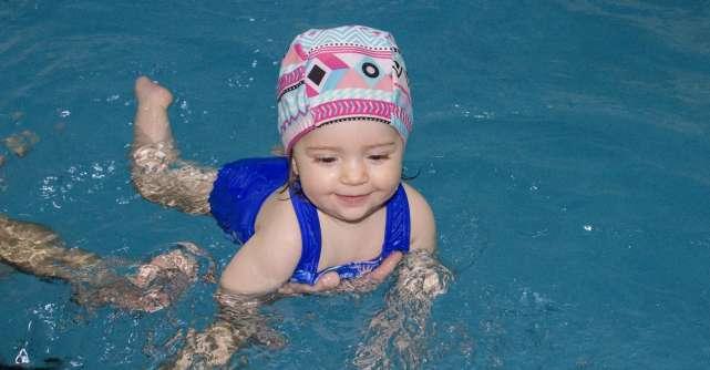 Iarna, anotimpul perfect pentru lecții de înot