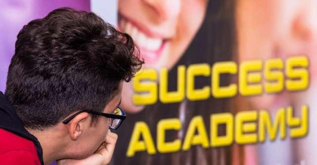 Success Academy: Cum gestionăm șocul adolesecenței din clasa a 9-a