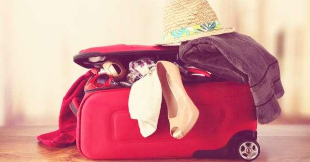 Vacanta la mare: 10 articole care sa nu-ti lipseasca din bagaj