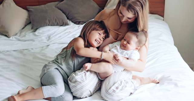 Copiii care sunt îmbrățișați mai des sunt mai deștepți
