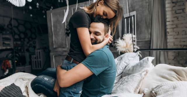 Importanta flirtului: intre manipulare emotionala si atractie sexuala
