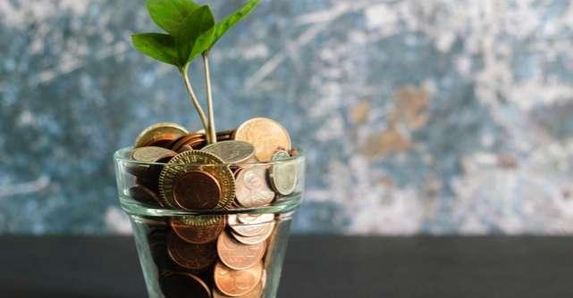 Rezoluţii care te vor ajuta să îţi gestionezi mai bine banii în 2021