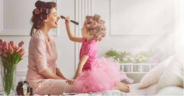 30 de citate despre mama: Dumnezeu nu poate fi pretutindeni, așa că a creat mamele