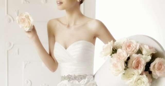 20 Cele mai frumoase rochii de mireasa din colectiile 2013