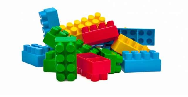 Cutii LEGO de pranz si pentru depozitare: construieste-ti lumea ta!